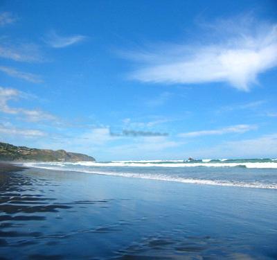 奥克兰:蓝天白云海浪沙滩