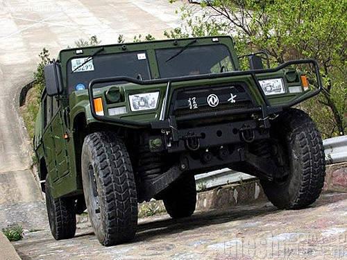 其外形式样与美国的悍马-经典军车也民用 五款强悍越野车型推荐图片