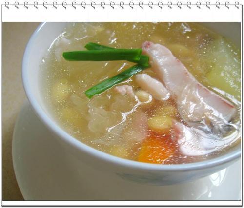 木瓜雪耳黄豆煲皖鱼的做法(做月子菜谱)