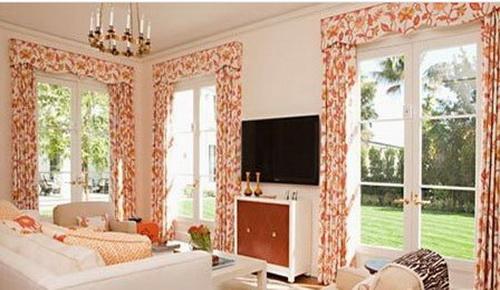 小户型客厅装修效果图大全2013图片:大落地窗、碎花窗帘、