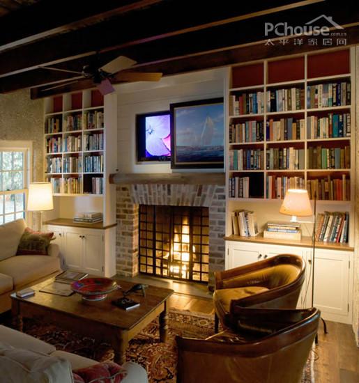 别墅里看电视图片