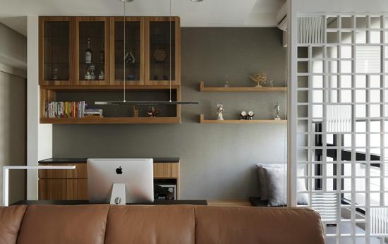 设计重点:向阳书桌设计   简约书房设计效果图   简约书房