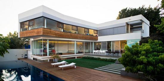 外观设计-L字型别墅玻璃墙 弥补采光一招制胜