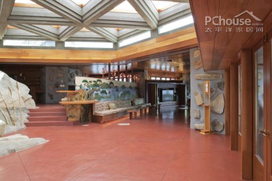 设计重点:大厅设计       编辑点评:独具民族风情的印度红地板