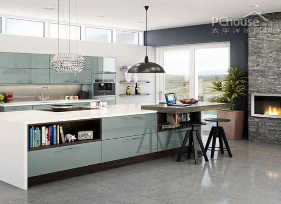 木材不光可以体现乡村风格的厨房,同样可以拿来体现海岛风情的韵味.