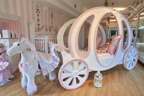 设计重点:创意活动床       编辑点评:以梦幻的马车作为创意