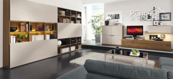 个性装饰物   设计重点:个性装饰物   编辑点评:在这款客厅中,个性化的装饰物以其独特的异域风格,展示都市时尚达人的趣味爱好。现代化的空间因为这些装饰物的存在而更显品位与个性。  灰蓝色沙发   设计重点:灰蓝色沙发   编辑点评:极具工业化色彩的灰蓝色沉稳而高端,在这款略显小清新的客厅中,温暖的书橱灯光与工业化沙发相结合,另类而不失优雅。  多彩化客厅   设计重点:多彩化客厅   编辑点评:第一眼就被吸引的客厅莫过于如此多彩的一款,缤纷的色彩打造出一个活泼靓丽的独立时尚空间,色彩搭配也强调了冷暖结