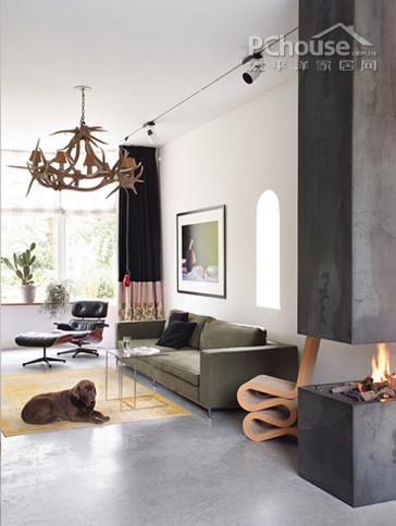 一款十分大气的家居设计,她的每一寸空间每一个角落都展现着屋主的优雅。明暗色调的变化,大型家具的设计,细小物品的摆放都十分考究,让整个房子一股欧美贵族范儿。 设计重点:色彩搭配以及材质选用 编辑首推空间:欧式古典风情客厅  欧式古典风情客厅 推荐理由:大型落地窗增大房间采光,咖色灰色等暗色系奠定房子的优雅基调。