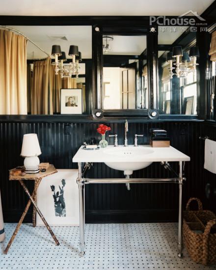 黑色墙壁搭配这样特别的洗手台