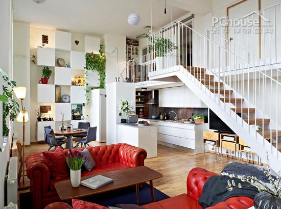会客厅设计   设计重点:会客厅设计   编辑点评:壁挂式两层书架、简易的摇椅、堆满了靠垫的沙发以及华丽的白色吊灯,简单的家具,简单的装饰设计,留下空旷的空间,总给人轻松舒服的感受。  穿衣镜设计   设计重点:穿衣镜设计   编辑点评:房屋设计可以在家具上做文章,可以对墙面的颜色、装饰物进行改造,但是,你见过对穿衣镜进行改造的吗?曲线边框正和女性完美曲线,在使用的情况下还达到了装饰房屋的目的。  储物架设计   设计重点:储物架设计   编辑点评:白色的格子型储物架无疑是这个空间内最惹眼的设计,凸凹的