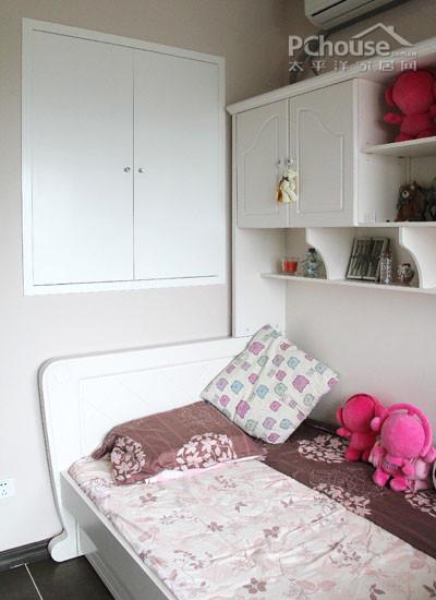 小卧室榻榻米床柜装修效果图