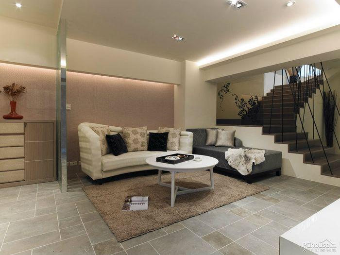 装修 空间 平南/客厅以复古地砖搭配素雅壁纸,并用天然石材做为与餐厅分野的半...
